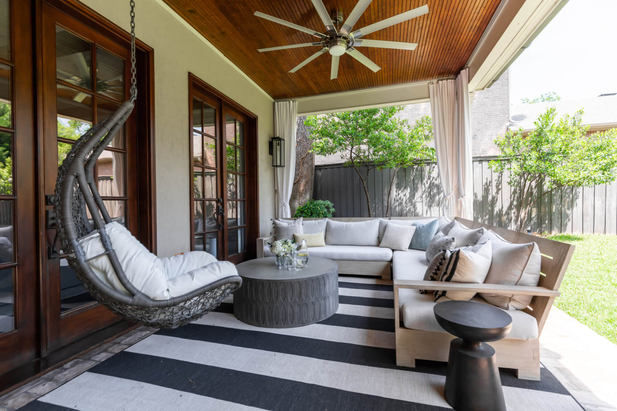 Outdoor Patio Decor | Highland Park Home | ML Interiors Group | Dallas Interior Design