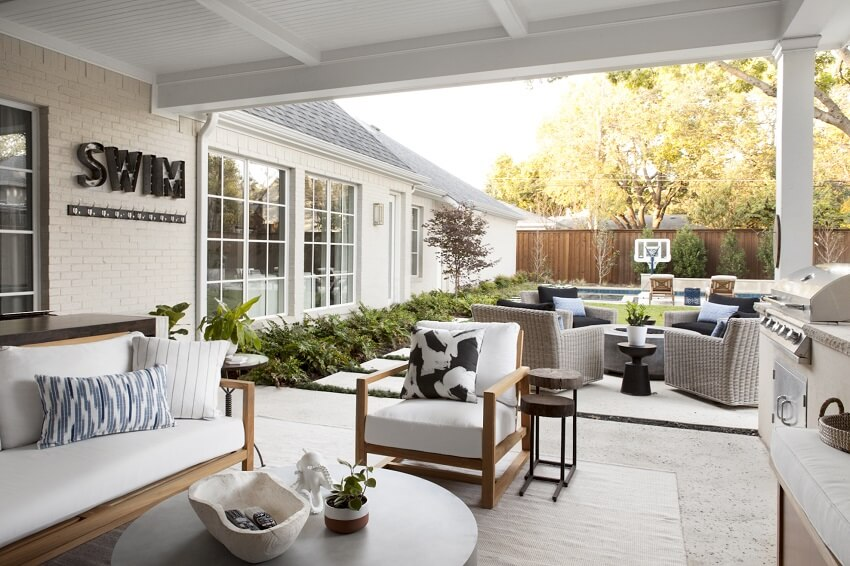 ML-Interiors-Group_Dallas-TX_Before-and-After-A-Stunning-and-Sophisticated-Southcrest-Reno_Backyard-and-Patio-Furnishings
